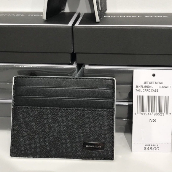 9fd0d9c543d9 Michael Kors Men s Jet Set Black   White Card Case